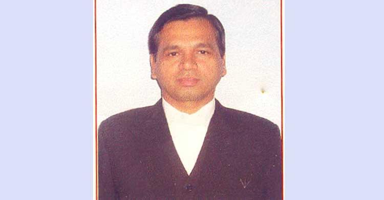 ষাঁড়ের গুঁতোয় আহত এলাহাবাদ হাইকোর্টের জ্যেষ্ঠ বিচারপতি