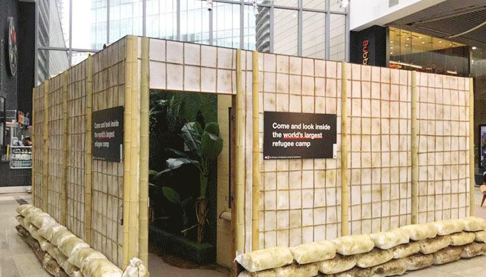 বিশ্বকে ধারণা দিতে লন্ডনের শপিংমলে রোহিঙ্গা কর্নার বসিয়েছে রেড ক্রস