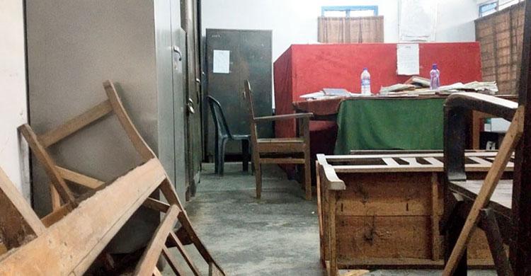 পশ্চিমবঙ্গে সরকারি কর্মীদের সঙ্গে আইনজীবীদের মারপিট