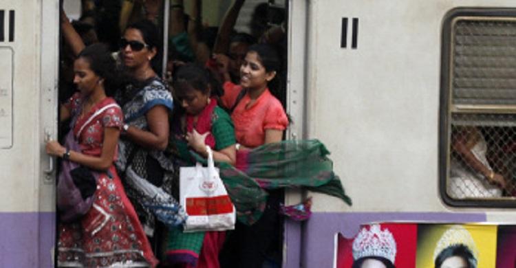ট্রেনে নারীদের জন্য পৃথক কামরা বরাদ্দ চেয়ে হাইকোর্টে রিট